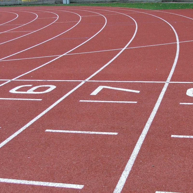 Entrenamiento personal en pistas de atletismo de Vilanova i la Geltrú con Jaume Bonastre